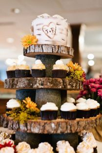 Rustic Wedding Cakes And Cupcakes