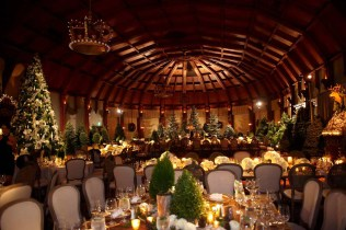 Winter Wedding Ideas Festive Holiday And Christmas Décor