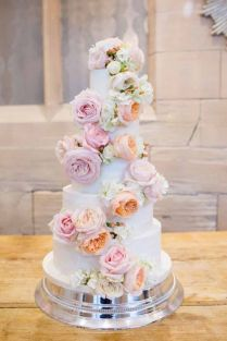 12 Seriously Stunning Floral Cake Toppers