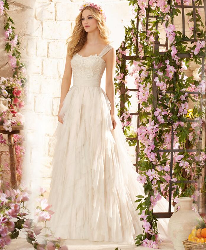 Simple Elegant Wedding Dresses With Sleeves: Simple But Elegant Wedding
