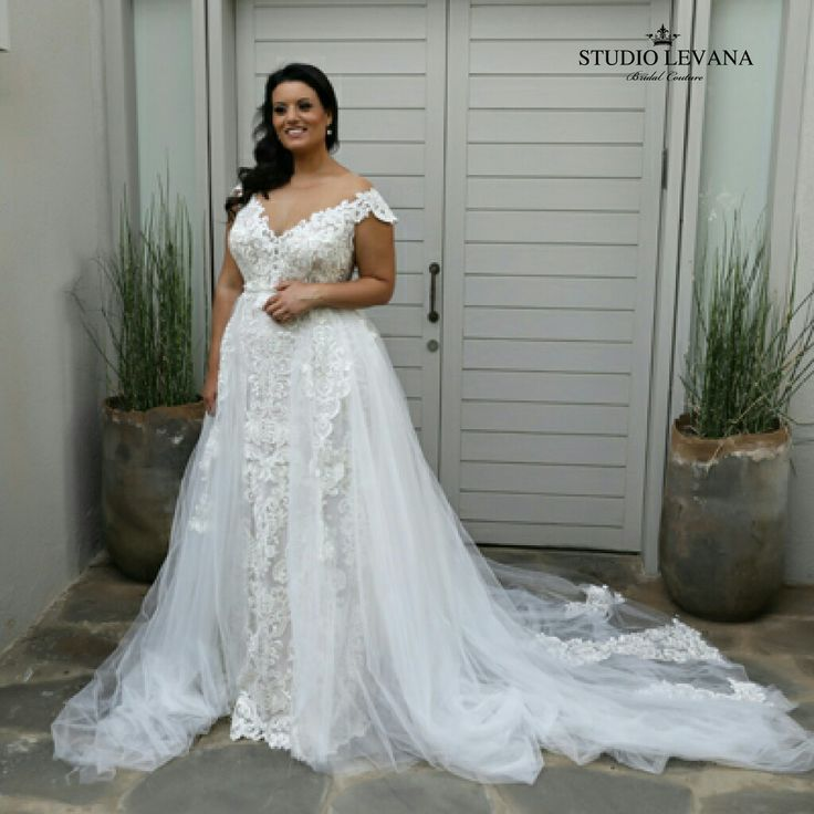 Wedding Gowns For Petite Figures: Wedding Dress For Curvy Brides