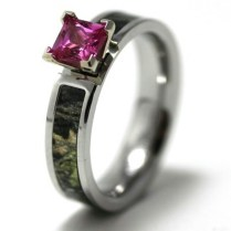 Luxury Pink Camo Wedding Ring Sets