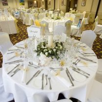Magnificent Wedding Table Setting Wooden Backrest Dining Chairs