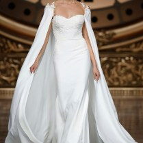 Trend Alert The 20 Most Stunning Bridal Capelets
