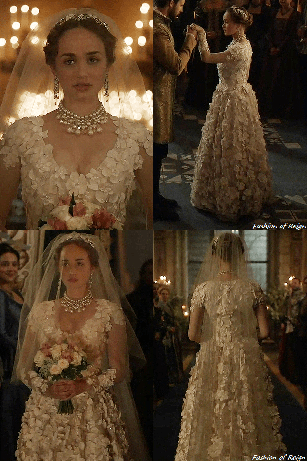 "In The Episode 4x04 (""playing With Fire"") Princess Claude Wears"