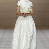 Would You Wear These '70s Inspired Wedding Dresses