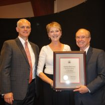 Alumni, Friends Of Lynchburg Honored At Homecoming – University Of