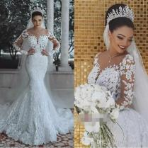2019 New Designer Berta Bridal Gowns Lace Applique Sheer Neck Long