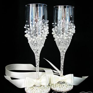 Decorative Bottles Personalized Wedding Champagne Glasses In