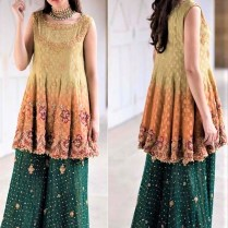 Pakistani Mehndi Dresses Designs For Brides And Friends 2017