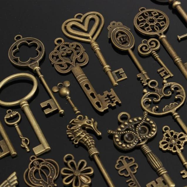 1 Set Of 69 Antique Vintage Old Look Bronze Skeleton Keys Fancy