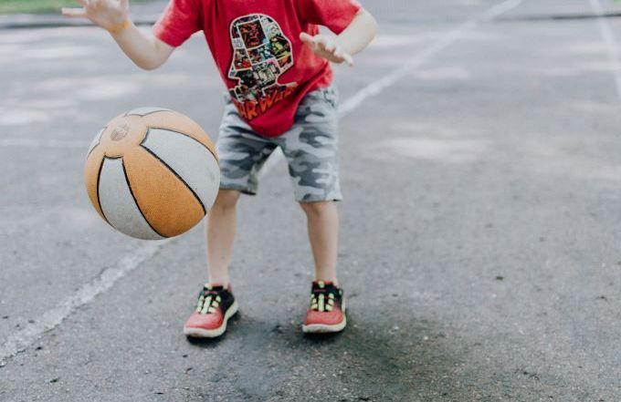 kid-dribbling-basketball