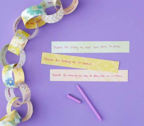 mom-paper-chain_gal