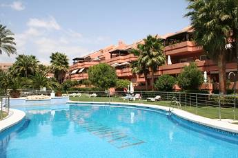 3 bedroom penthouse – 775,000 euros