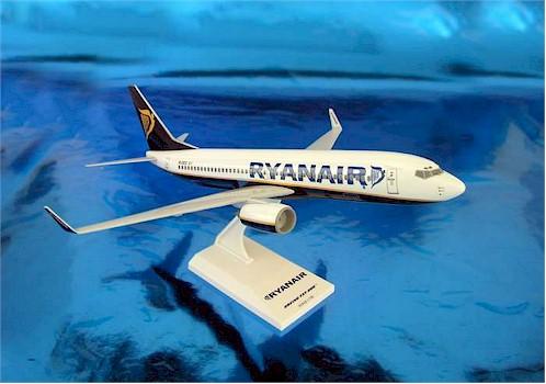 Model Planes  RyanAir Boeing 737800