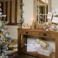 Deck The Halls  10 Christmas Hallway Decorating Ideas ...