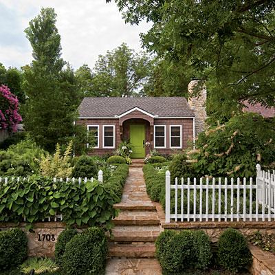 adorably small houses - em