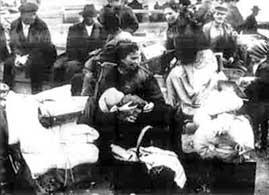 https://i0.wp.com/www.emigrati.it/America/jpg/EmigrantiNapoli.jpg