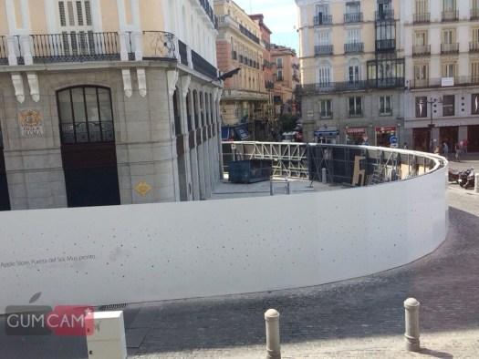 Apple Store Puerta de Sol por el lateral de Alcalá