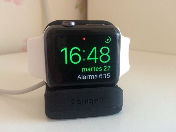El Apple Watch en modo reloj de mesa