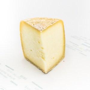 4 month age italian pecorino sheep milk cheese 250g