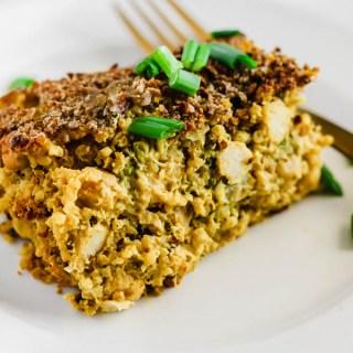 Cheesy Chickpea, Quinoa & Broccoli Casserole (vegan & gluten-free)