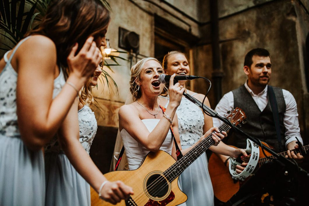 The Bride singing with Alex Birtwell