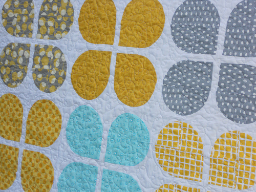 Drunkard's Path quilt roundup and designs | emily longbrake