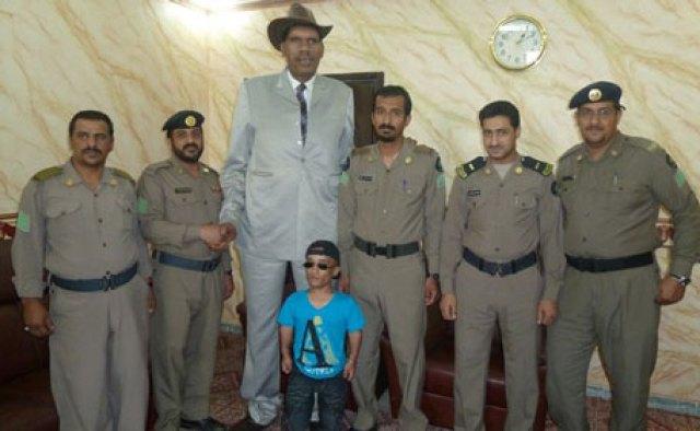 World's tallest... and shortest men in Saudi - News - Region - Emirates24|7