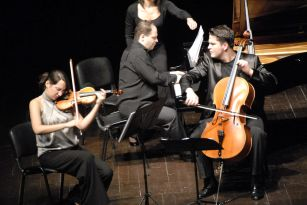 2010-01-31-CKM-Istanbul Trio Concert-2