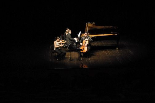 2010-01-31-CKM-Istanbul Trio Concert-5