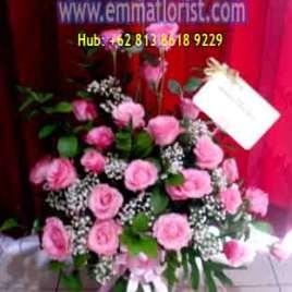 Rangkaian Bunga Meja Mawar Pink