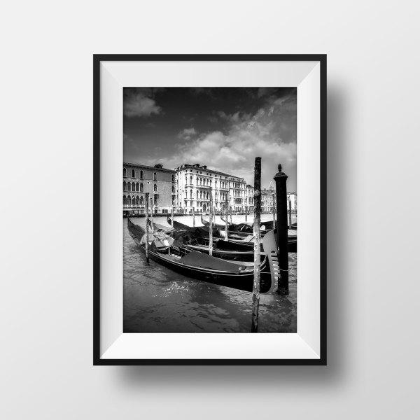Photo Noir et Blanc Venise Canal Gondoles
