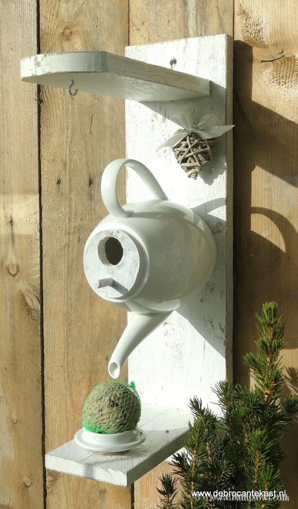 DIY Bird Feeder. A Tea Party for the Birds.