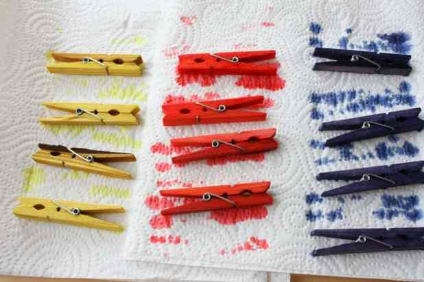 color your wooden clothing pegs the easy way