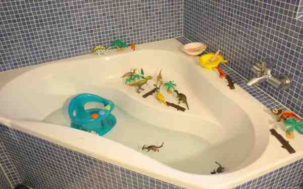Bath with Dinosaurs and Paint. Children bath time fun