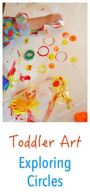 Toddler Art activity that focuses on circles. Exploring shapes is fun and full of learning!