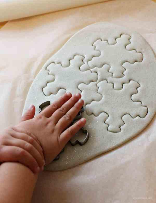 making-salt-dough-snowflakes