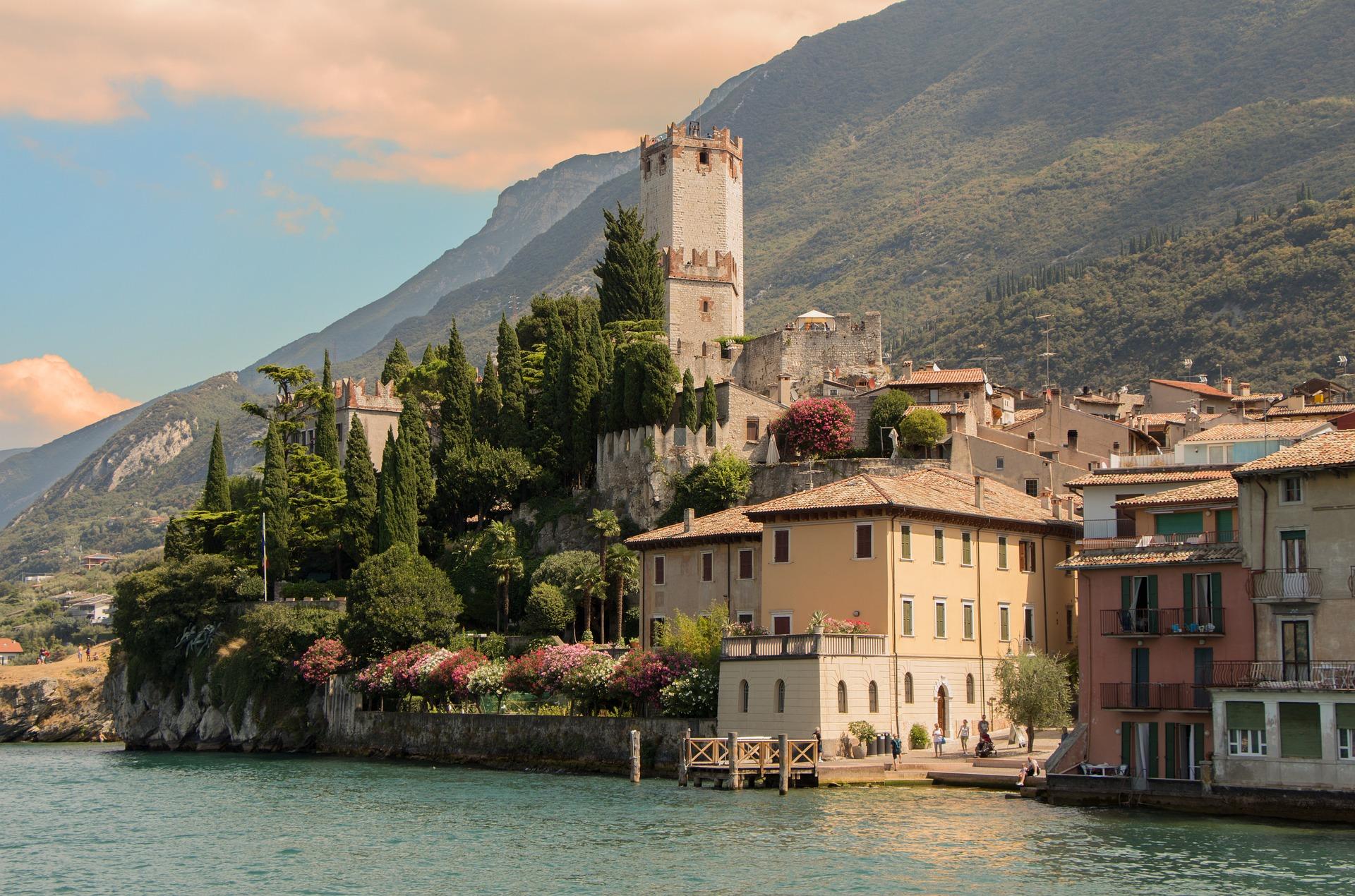 Noleggio auto con conducente per turismo e sport a Brescia