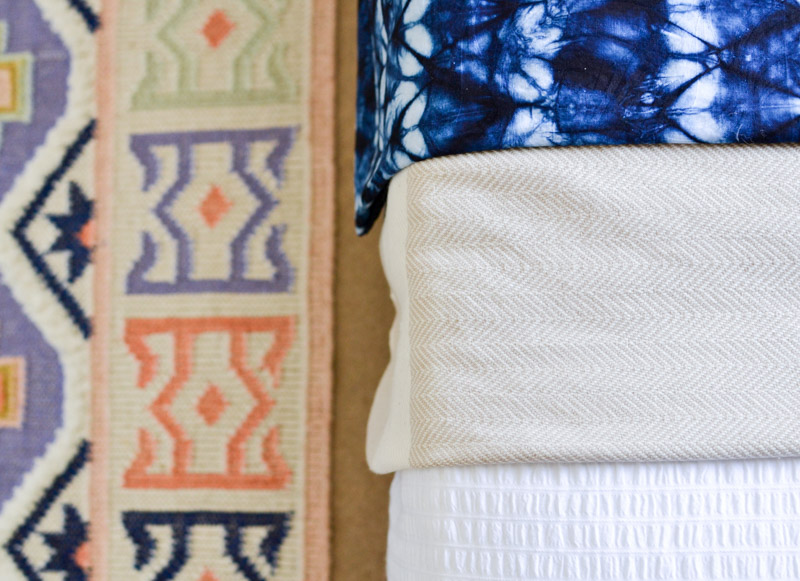 Global boho kids bedroom makeover - Anthropologie Caravan rug + shibori