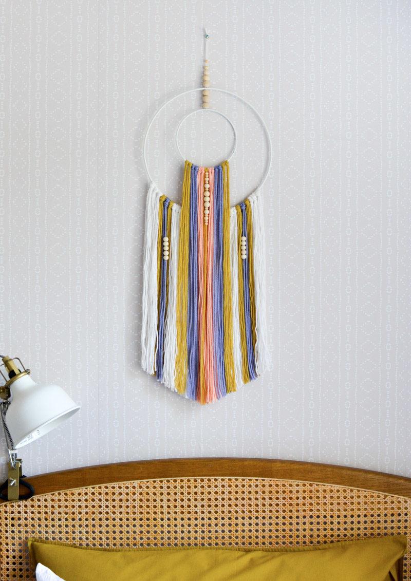 Global boho kids room makeover - DIY wall hanging