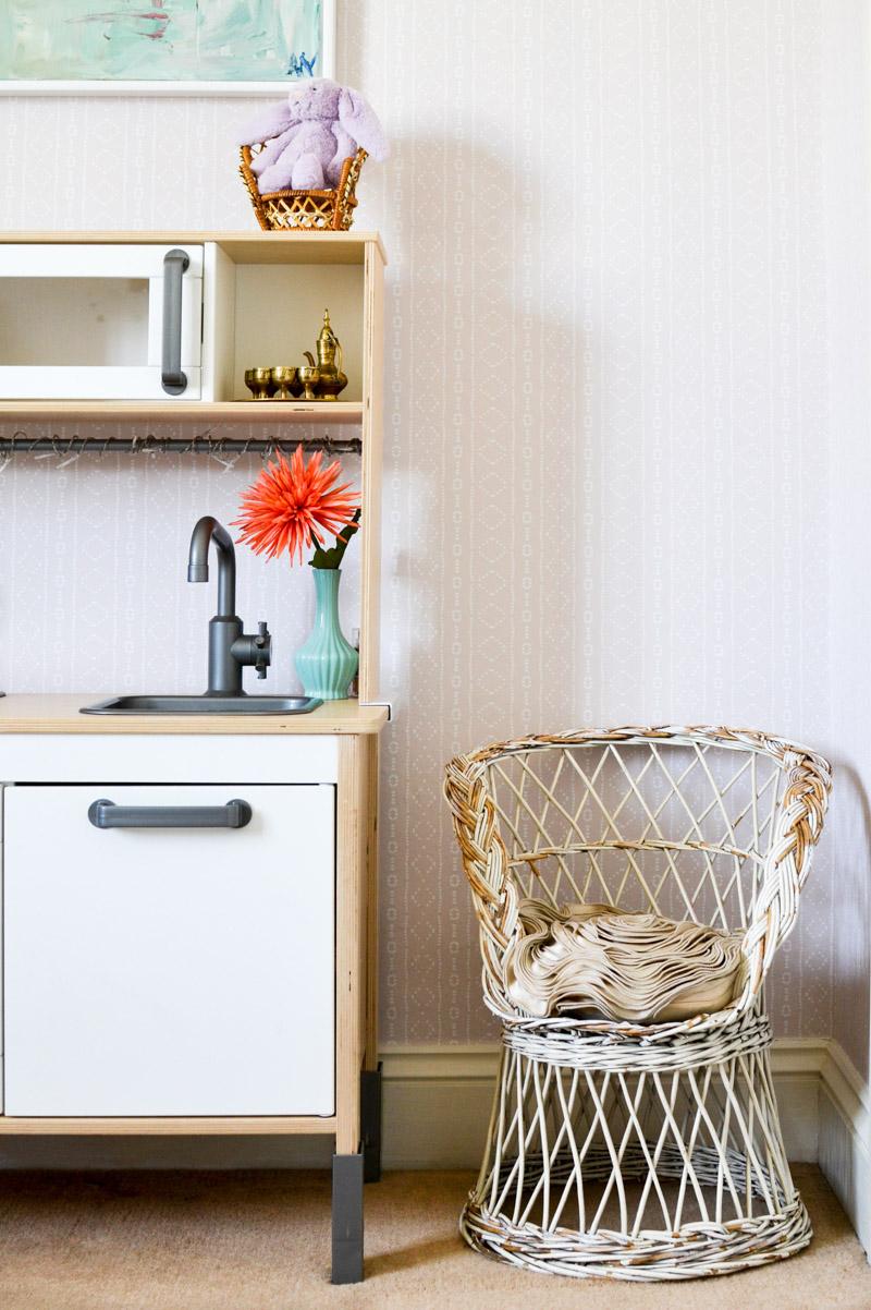 Global boho kids room makeover - Ikea Duktig + thrifted chair