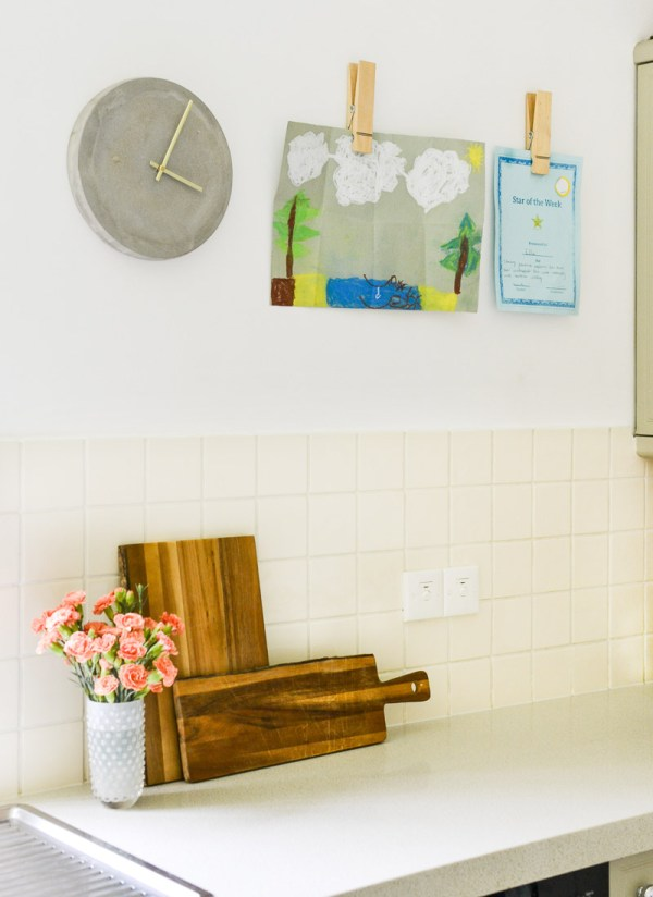 Neutral Rental Kitchen - Summer 17 Eclectic Home Tour