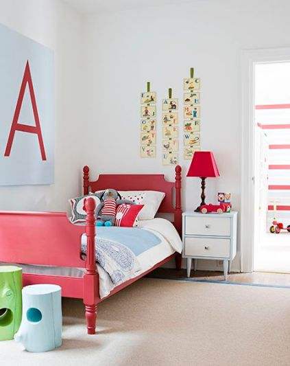 Red and blue Toddler bedroom Design by Samantha Pynn