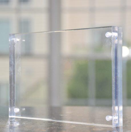 Premium 4x6 Inch Acrylic Magnetic Desktop Frame (1-Pack)
