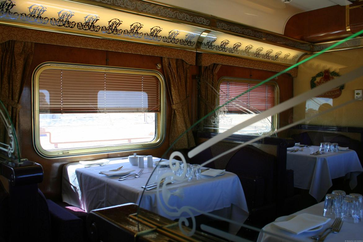 Indian-Pacific-rail-journey-restaurant-car-001