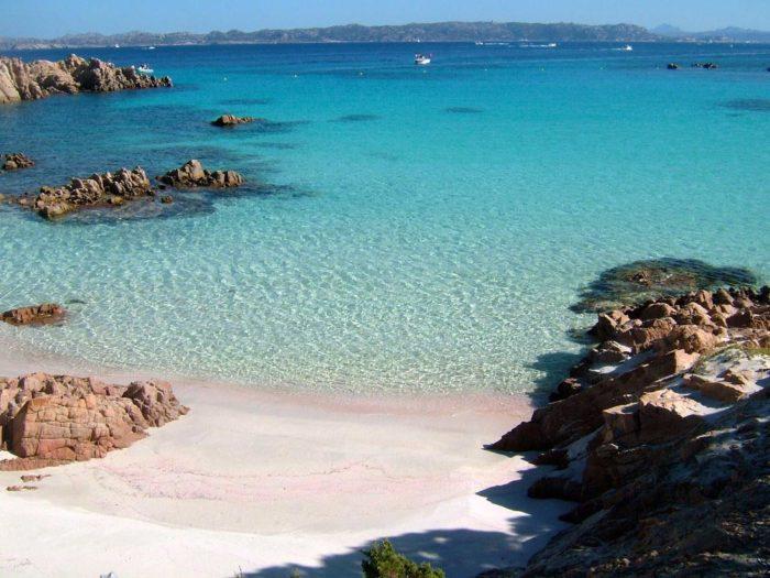 Dove si trova spiaggia rosa Sardegna