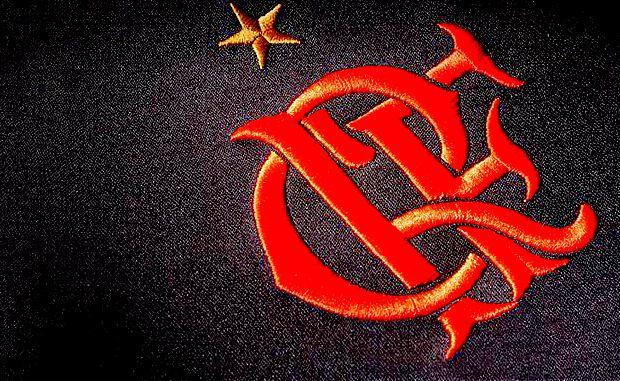 flamengo_camisa_uniforme_terceiro_2016_escudo_crf1