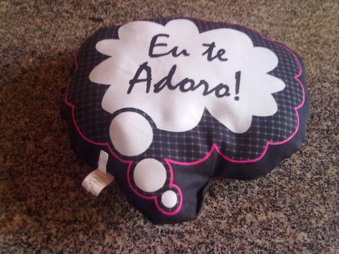 almofada-eu-te-adoro-da-promoco-sonho-de-falsa-D_NQ_NP_8952-MLB20010397716_112013-F
