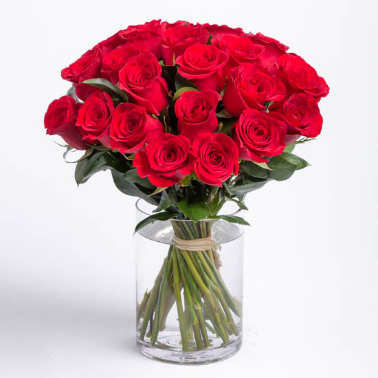 roses-red-rose-bouquet-ode-a-la-rose-550x550-25859